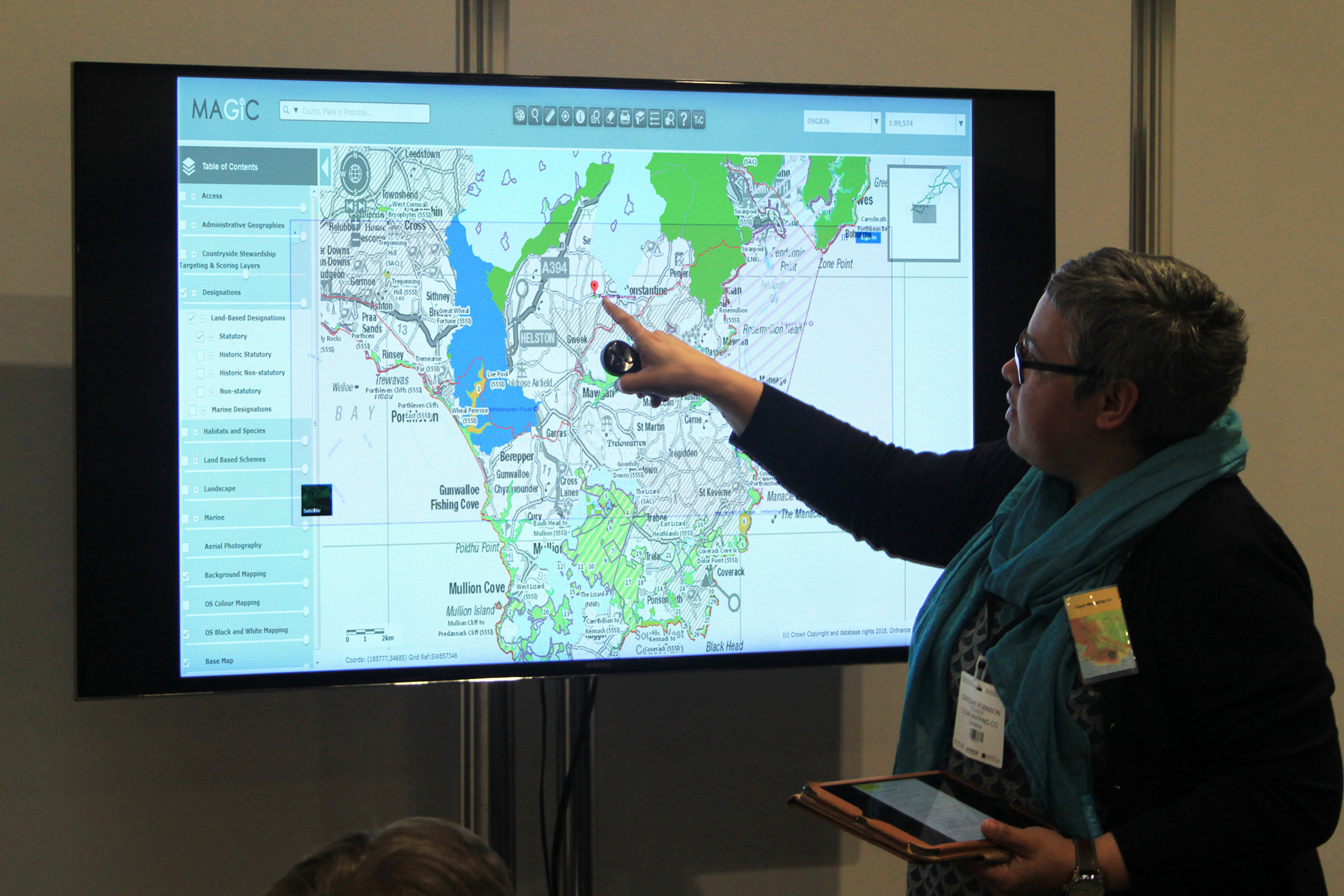 Defra Magic Map Magic Map to QGIS   Find out about the magic of QGIS • Clear